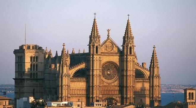 Island Guide Mallorca Palma Cathedral