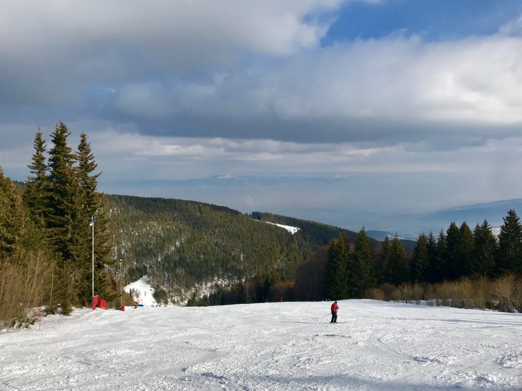 http://www.cocodeewanderlust.com/wp-content/uploads/2019/02/Weekend-Ski-Trip-in-Sofia-slopes.jpg
